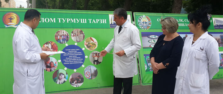 """""""We are supporters of a healthy lifestyle: youth against smoking"""""""